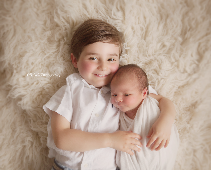 newborn and sibling photography lanarkshire